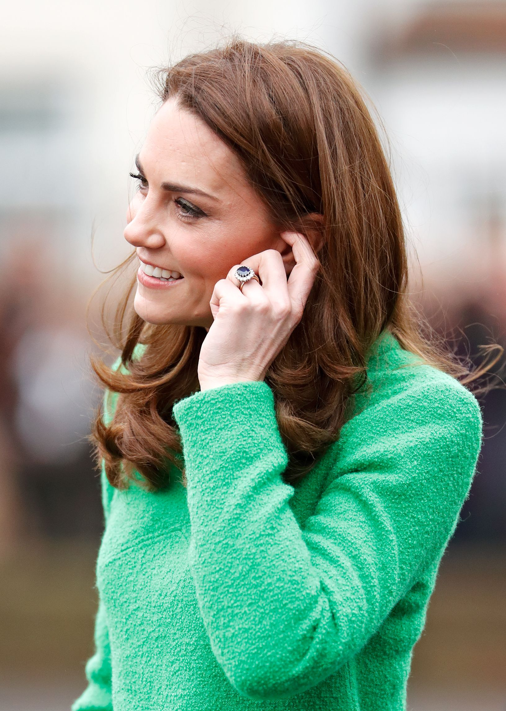 Middleton's Ring Is Engagement Kate A Replica Available Of eDEYIWH2b9