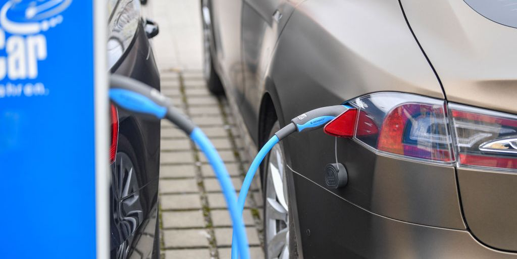 More Americans Like Electric Cars but Still Resist Self ...