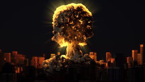 Een atoombom ontploft in een stad