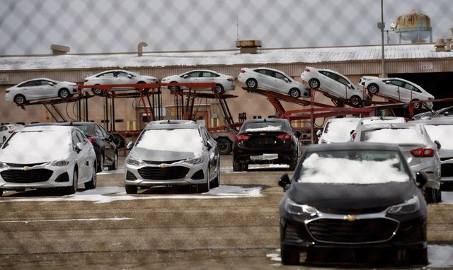 gm to repay tax credits for shutting down lordstown plant