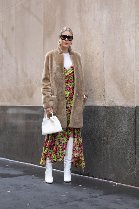 Clothing, Street fashion, Fashion, Pink, Snapshot, Footwear, Outerwear, Eyewear, Coat, Fashion design,