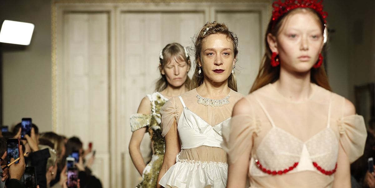 Simone Rocha Casts Anti-Instagram Influencers for Her Fall 2019 Runway Show
