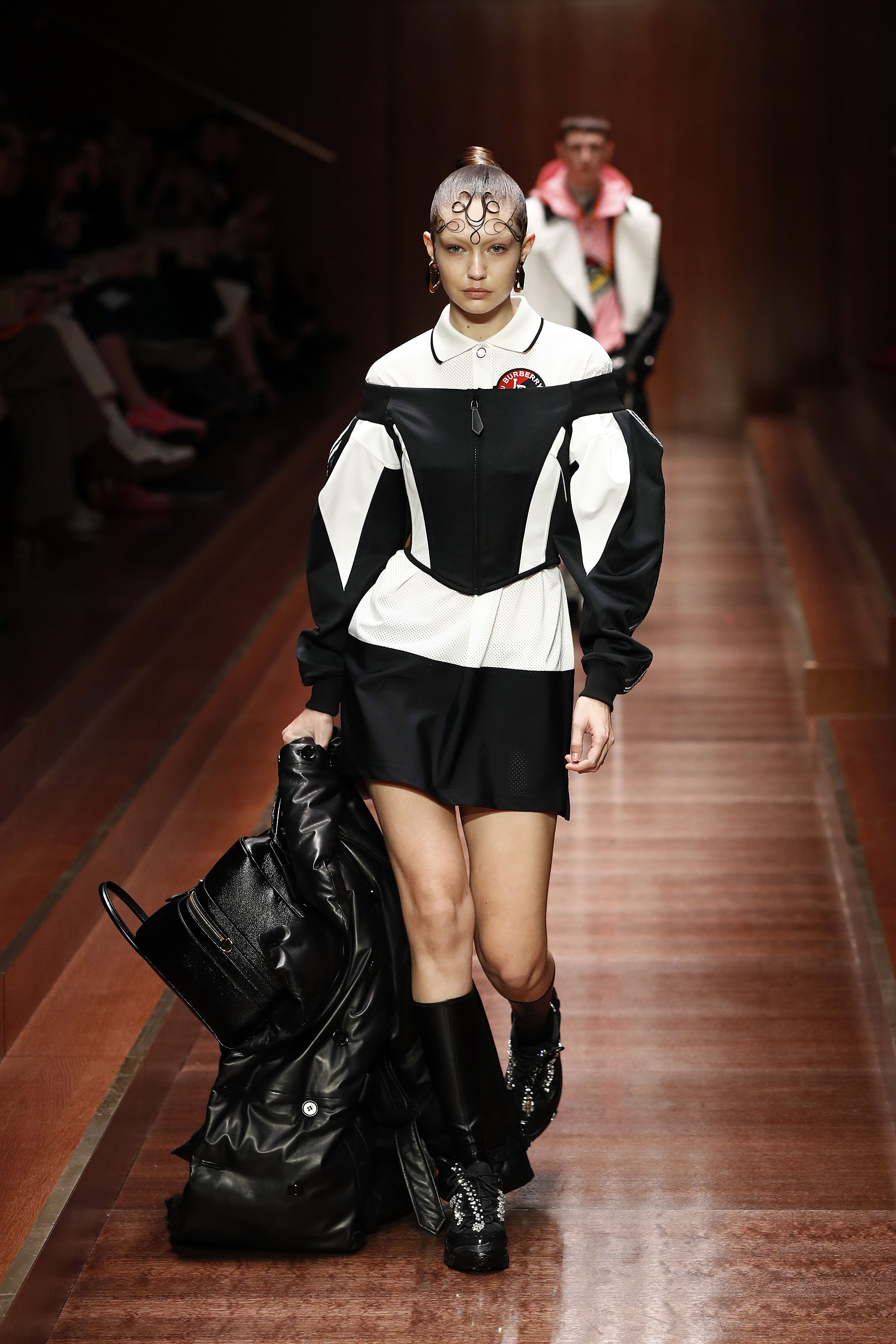 06191c9f5484 Gigi Hadid Hits The Burberry Runway For Her First AW19 London Fashion Week  Show