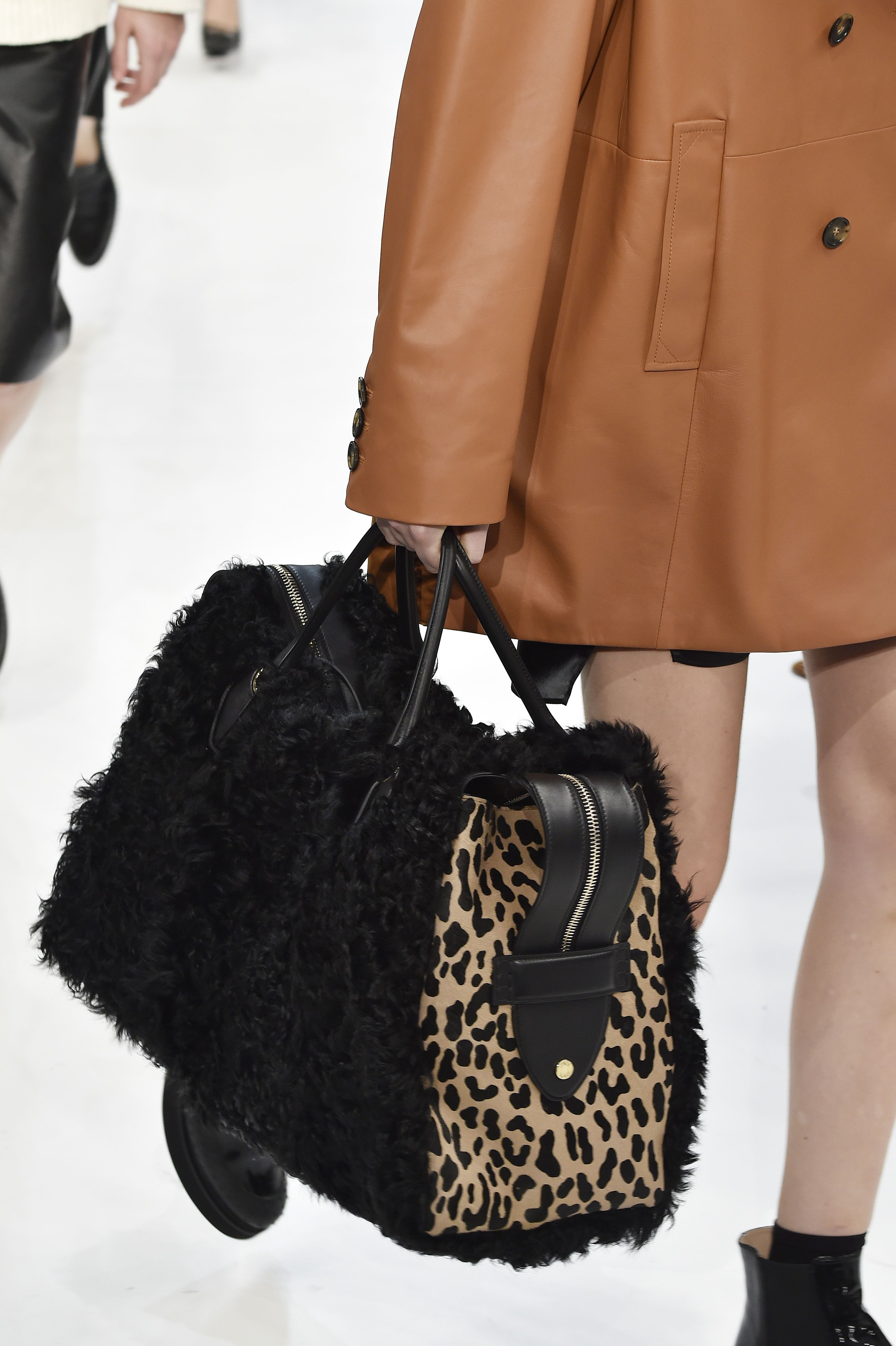 d13381ab3786 Fall 2019 Bag and Purse Trends - Best Bags on the Fall 2019 Runways