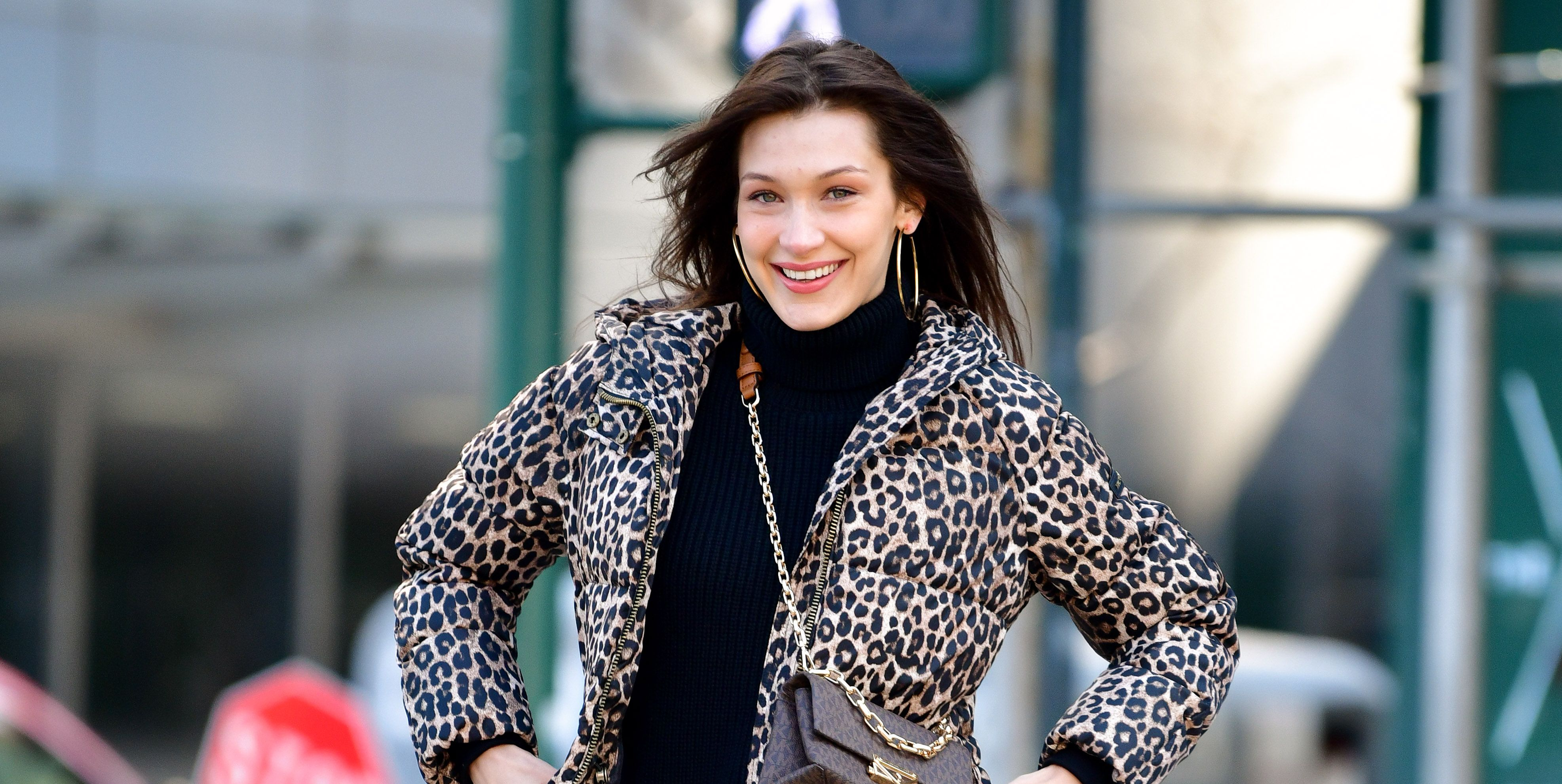 Bella-hadid-streetstyle-leopard-print-jas