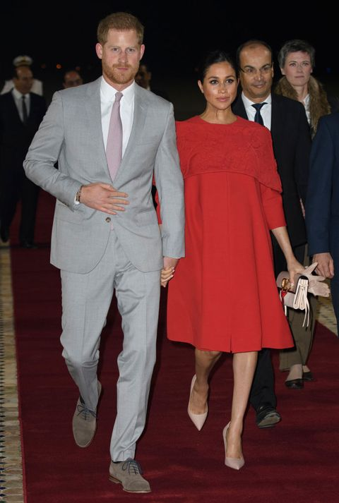Suit, Clothing, Formal wear, Fashion, Red carpet, Event, Tuxedo, Carpet, Dress, Flooring,