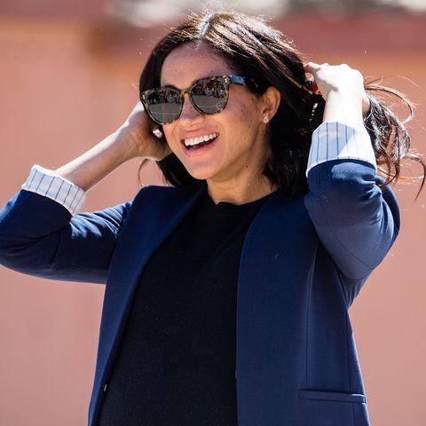 Clothing, Eyewear, Blue, Street fashion, Cobalt blue, Outerwear, Fashion, Sunglasses, Coat, Electric blue,