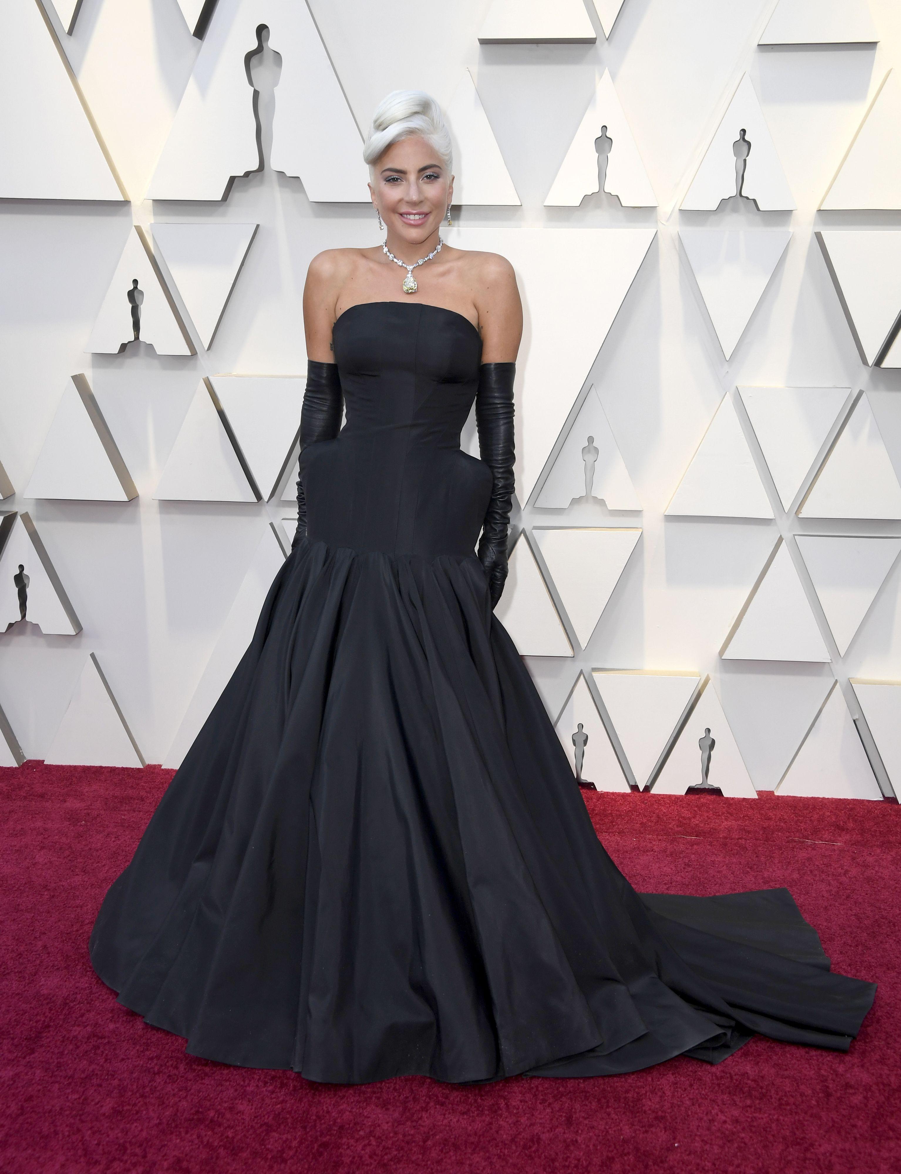 43887969a Premios Oscar 2019  looks de la alfombra roja - Vestidos Oscar 2019
