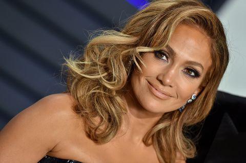 Hair, Blond, Hairstyle, Chin, Layered hair, Eyebrow, Brown hair, Long hair, Beauty, Surfer hair,