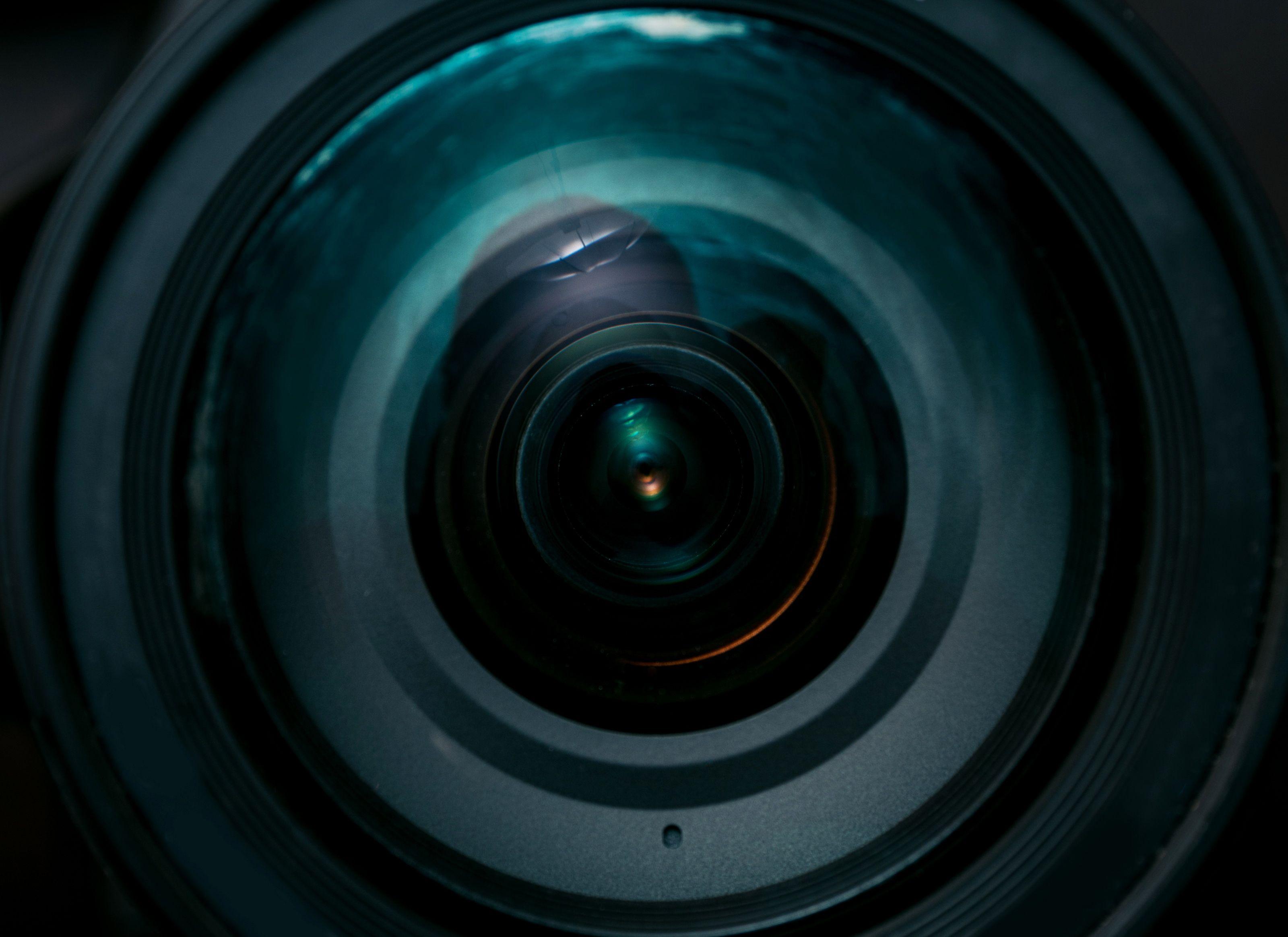 Come scoprire se in una stanza ci sono telecamere nascoste