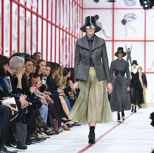 Fashion, Runway, Fashion show, Fashion model, Event, Haute couture, Fashion design, Footwear, Street fashion, Model,