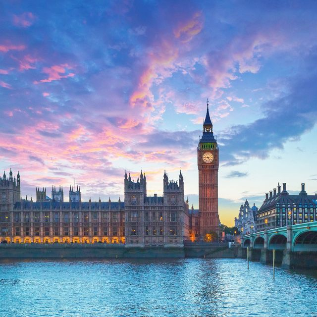 Sky, Landmark, City, Cityscape, Cloud, Human settlement, Skyline, Metropolis, Reflection, Waterway,