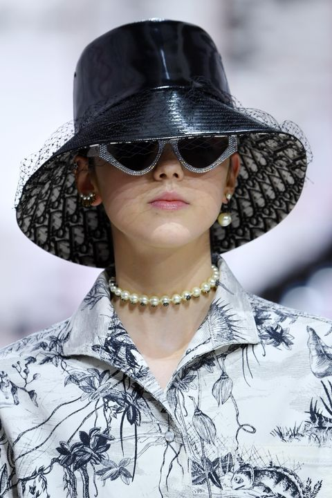 Christian Dior : Runway - Paris Fashion Week Womenswear Fall/Winter 2019/2020