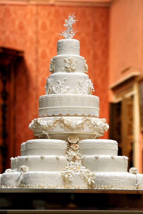 Wedding cake, Cake decorating, Icing, Sugar paste, Cake, Buttercream, Wedding ceremony supply, Sugar cake, Pasteles, Food,