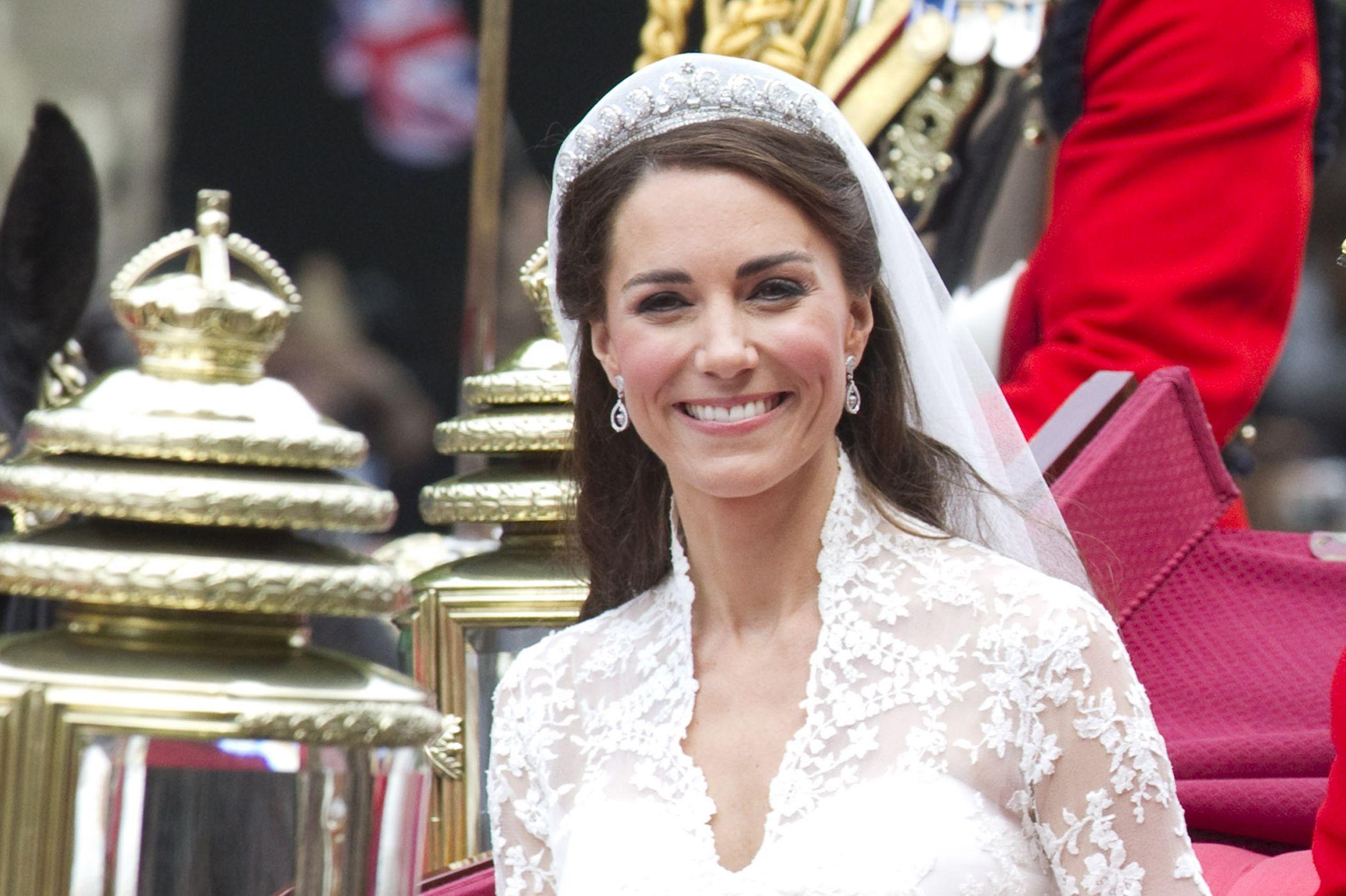 梅根馬克爾, 王妃, 皇室公主, 英國皇室, 皇冠, 凱特王妃, Meghan Markle, Kate Middleton, Princess Eugenie, Princess Beatrice, 王冠