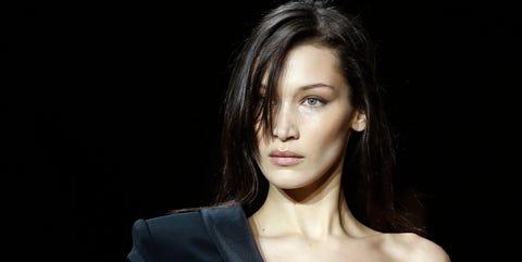 Hair, Fashion model, Face, Beauty, Hairstyle, Shoulder, Eyebrow, Lip, Chin, Model,