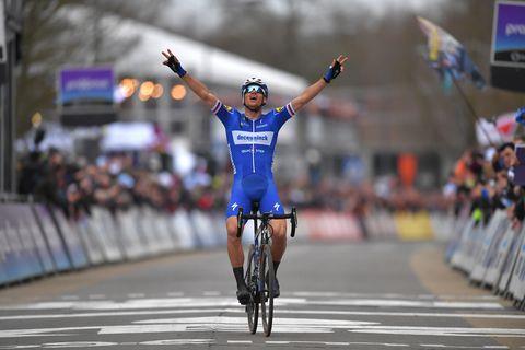 Stybar wint de openingsklassieker Omloop het Nieuwsblad