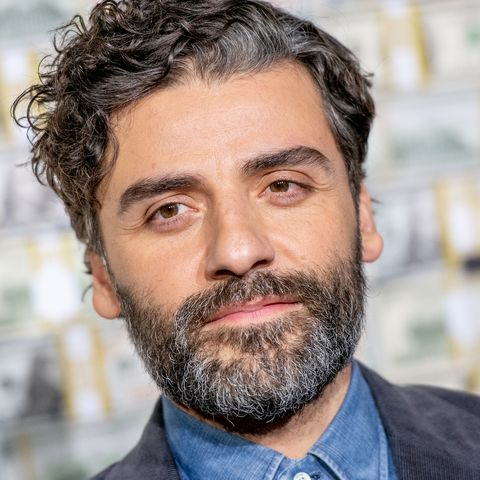 Oscar Isaac discusses his favorite scenes from the Star Wars saga.