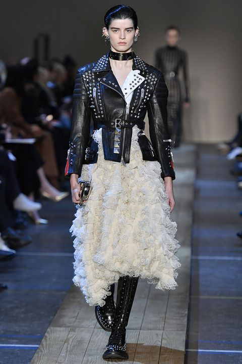 Alexander McQueen - Runway - Paris Fashion Week Womenswear Fall/Winter 2019/2020