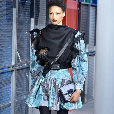 Clothing, Fashion model, Street fashion, Fashion, Tights, Beauty, Footwear, Snapshot, Fashion design, Leggings,