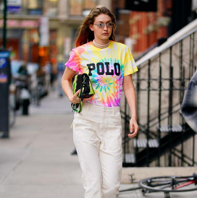 Clothing, White, Street fashion, Photograph, Fashion, Shoulder, Waist, T-shirt, Fashion model, Snapshot,