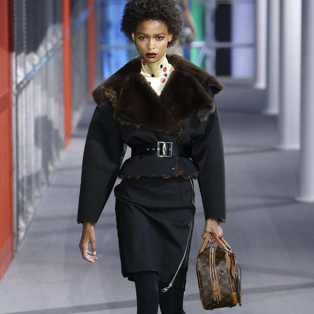 Fashion, Fashion model, Clothing, Fashion show, Runway, Fur, Street fashion, Haute couture, Fur clothing, Outerwear,