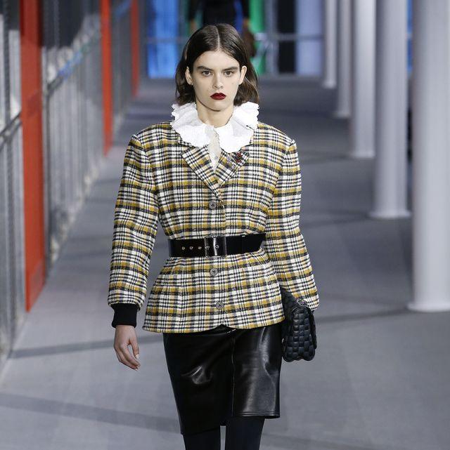 Fashion, Fashion model, Clothing, Street fashion, Fashion show, Plaid, Runway, Snapshot, Pattern, Tartan,
