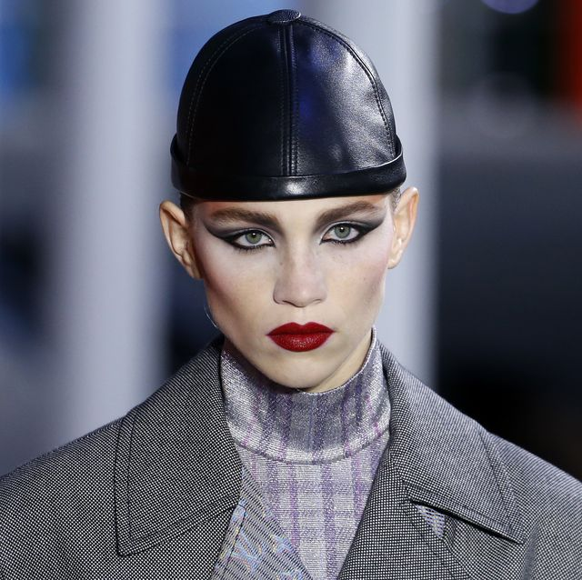 AW19 Louis Vuitton Makeup