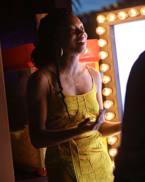 لس آنجلس ، کالیفرنیا 1 آوریل ، نویسنده و کارگردان Little Woods ، نیا داکوستا ، در جریان اولین نمایش فرش صورتی در جنگل های کوچک لس آنجلس ، که توسط میزبان refinery29 ، یک باشگاه فیلم نئون و پشت بام در Neuehouse Hollywood در 1 آوریل ، میزبان فیلمش بود ، درباره فیلم خود صحبت کرد. 2019 در لس آنجلس ، عکس کالیفرنیا توسط Rachel Marrigetty images