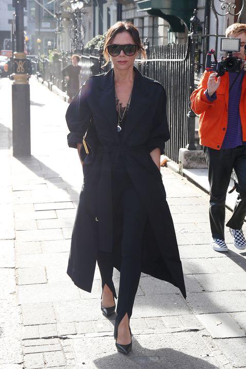 Street fashion, Clothing, Fashion, Snapshot, Coat, Eyewear, Trench coat, Overcoat, Sunglasses, Footwear,