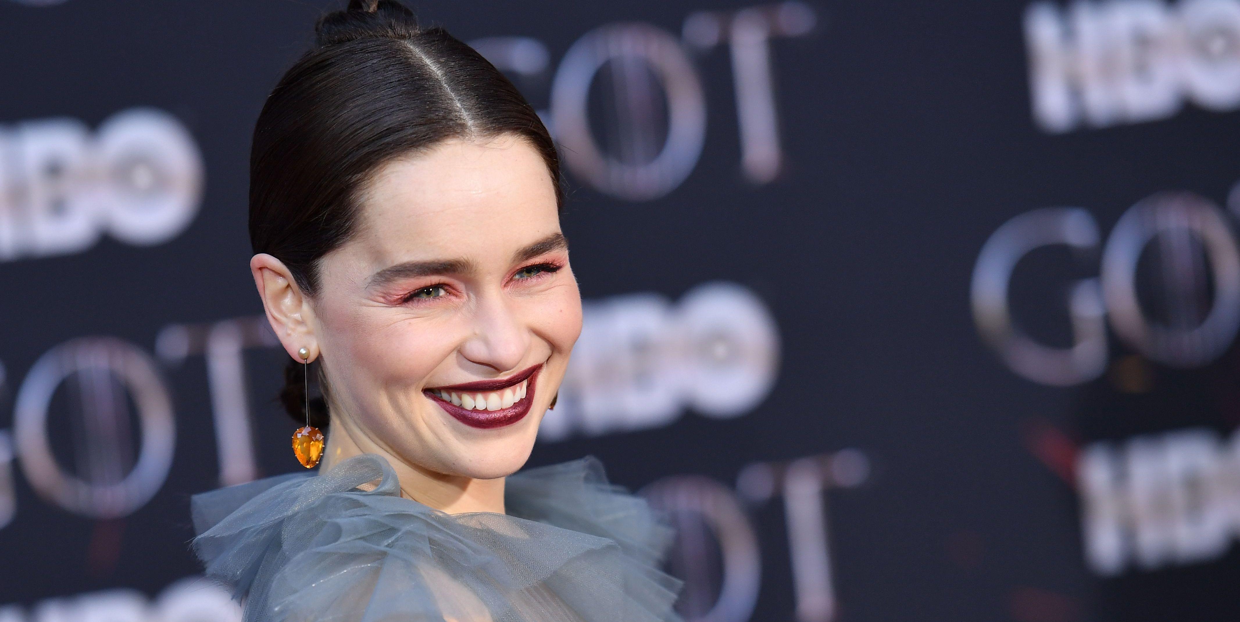 Emilia Clarke game of thrones premiere in valentino dress
