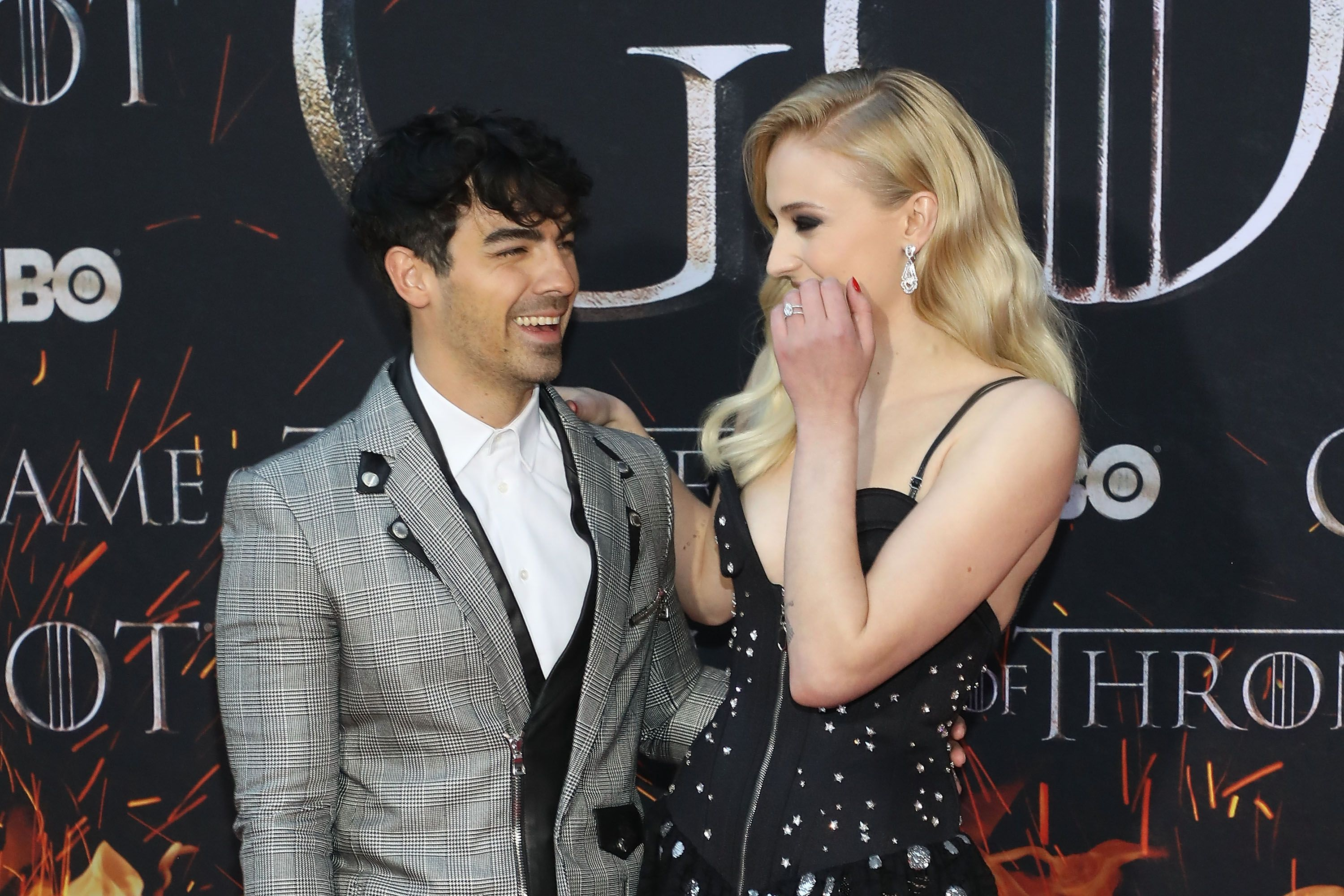 "Sophie Turner and Joe Jonas Pose for an ""Awkward"" Picture with Joffrey from 'Game of Thrones'"
