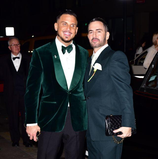 Suit, Formal wear, Tuxedo, Event, Blazer, Outerwear, White-collar worker,