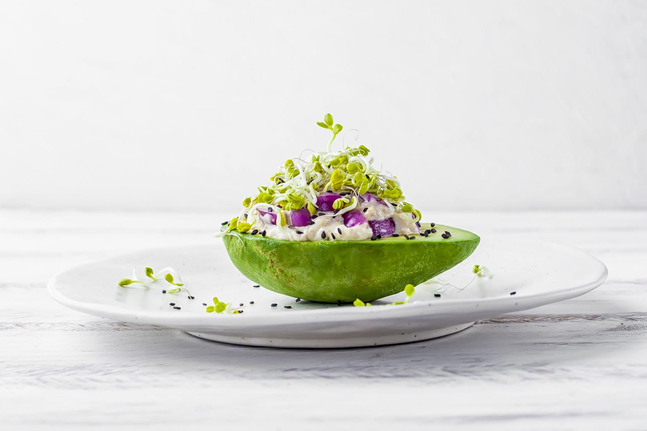 Queste 10 video ricette con l'avocado vi faranno venire voglia di mangiare solo avocado (forever)