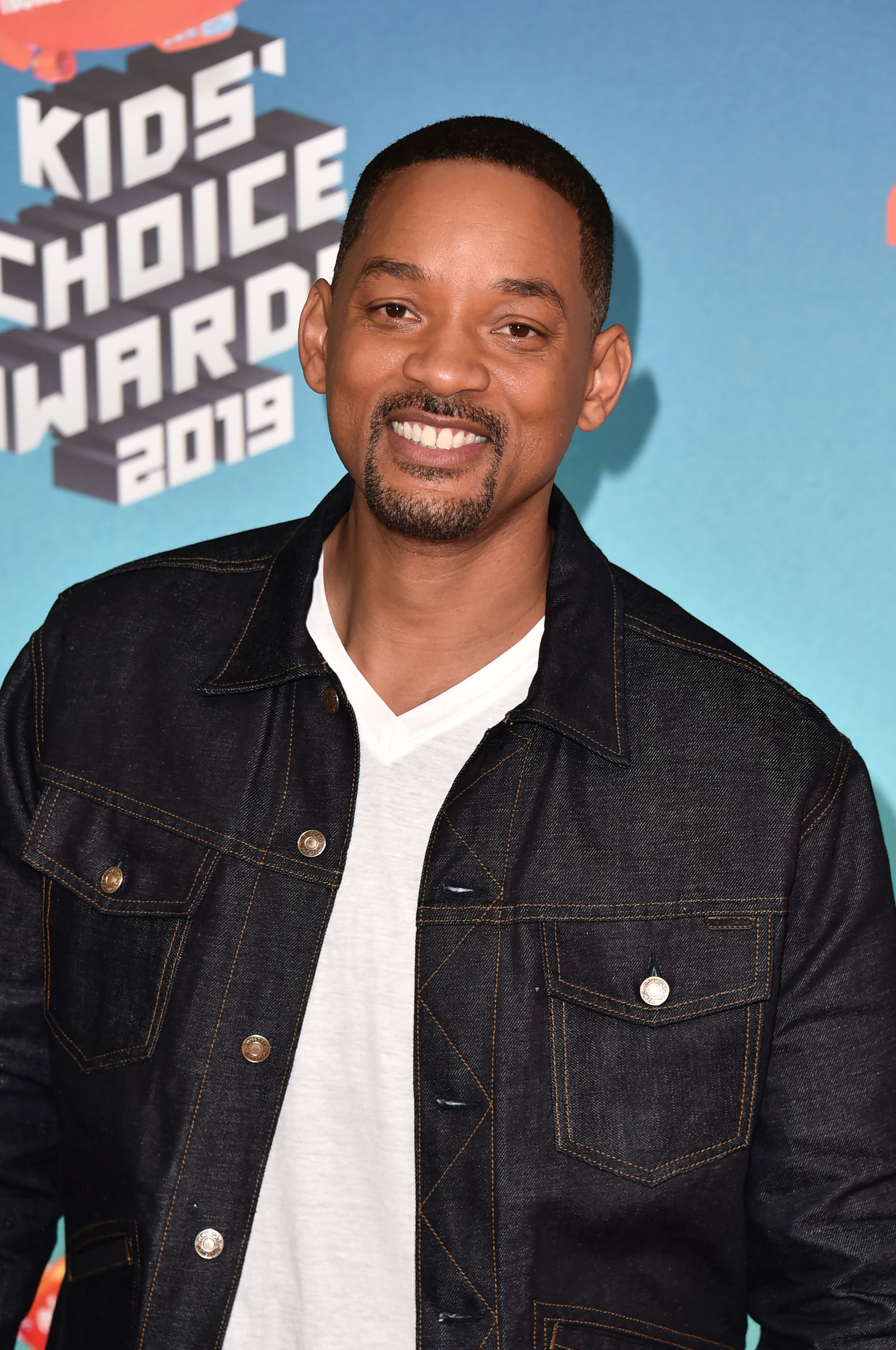 Watch Will Smith Shoot Some B-Ball Outside of the School