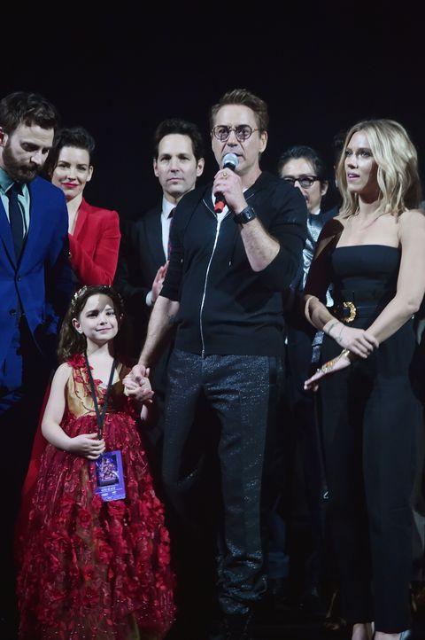 《復仇者聯盟4》首映會上這個「神秘小女孩」和初代英雄們超熟!看完之後才發現她的角色真的是⋯⋯