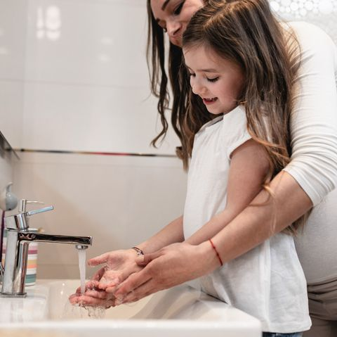 important towash hands carefully to prevent threadworms in kids