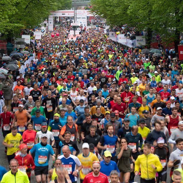 28 april 2019, hamburg athletics marathon runners start at the 34th hamburg marathon photo daniel reinhardtdpa photo by daniel reinhardtpicture alliance via getty images