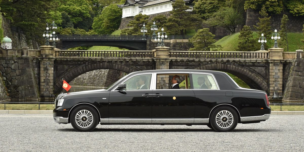 New Japanese Emperor to Get a One-Off Toyota Century Convertible
