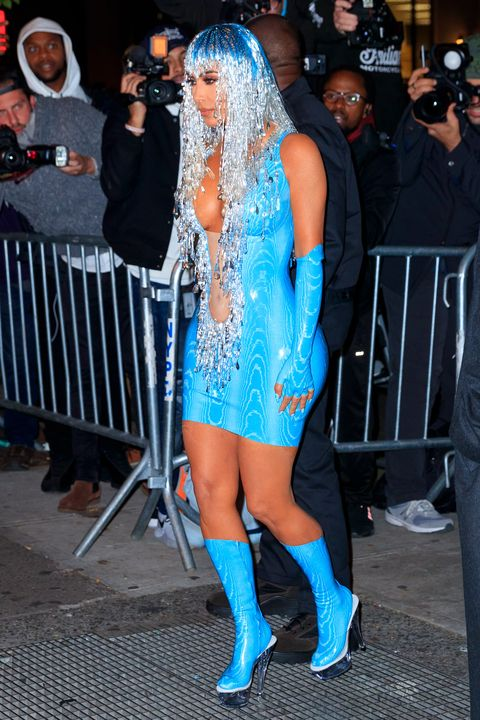 Costume, Fashion, Footwear, Dress, Leg, Event, Thigh, Electric blue, Carnival, Street fashion,