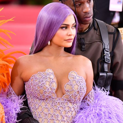 Hair, Purple, Violet, Beauty, Dress, Lavender, Skin, Fashion, Pink, Yellow,