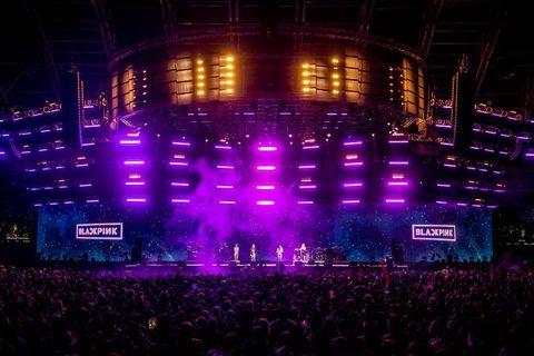 Stage, Performance, Entertainment, Purple, Concert, Light, Rock concert, Lighting, Visual effect lighting, Performing arts,