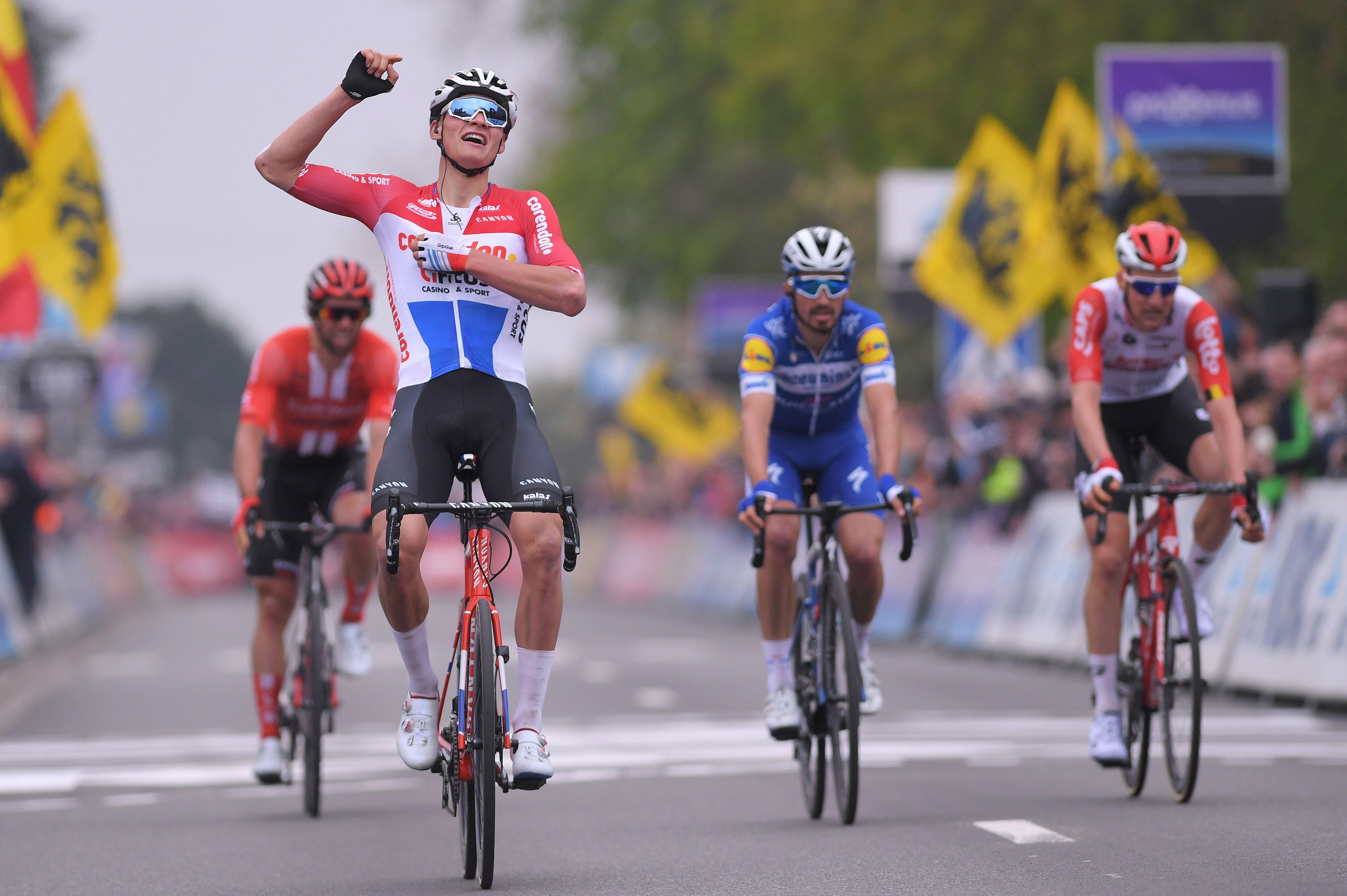 Mathieu van der Poel fietst dit seizoen met bijzondere