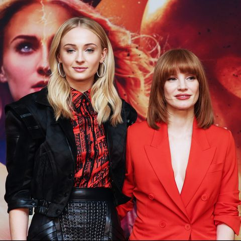 sophie turner & jessica chastain suffer foot blisters on