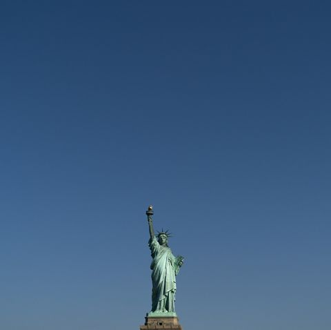 Sky, Landmark, Statue, Monument, Sculpture, National historic landmark, City, Cloud, Spire, Art,