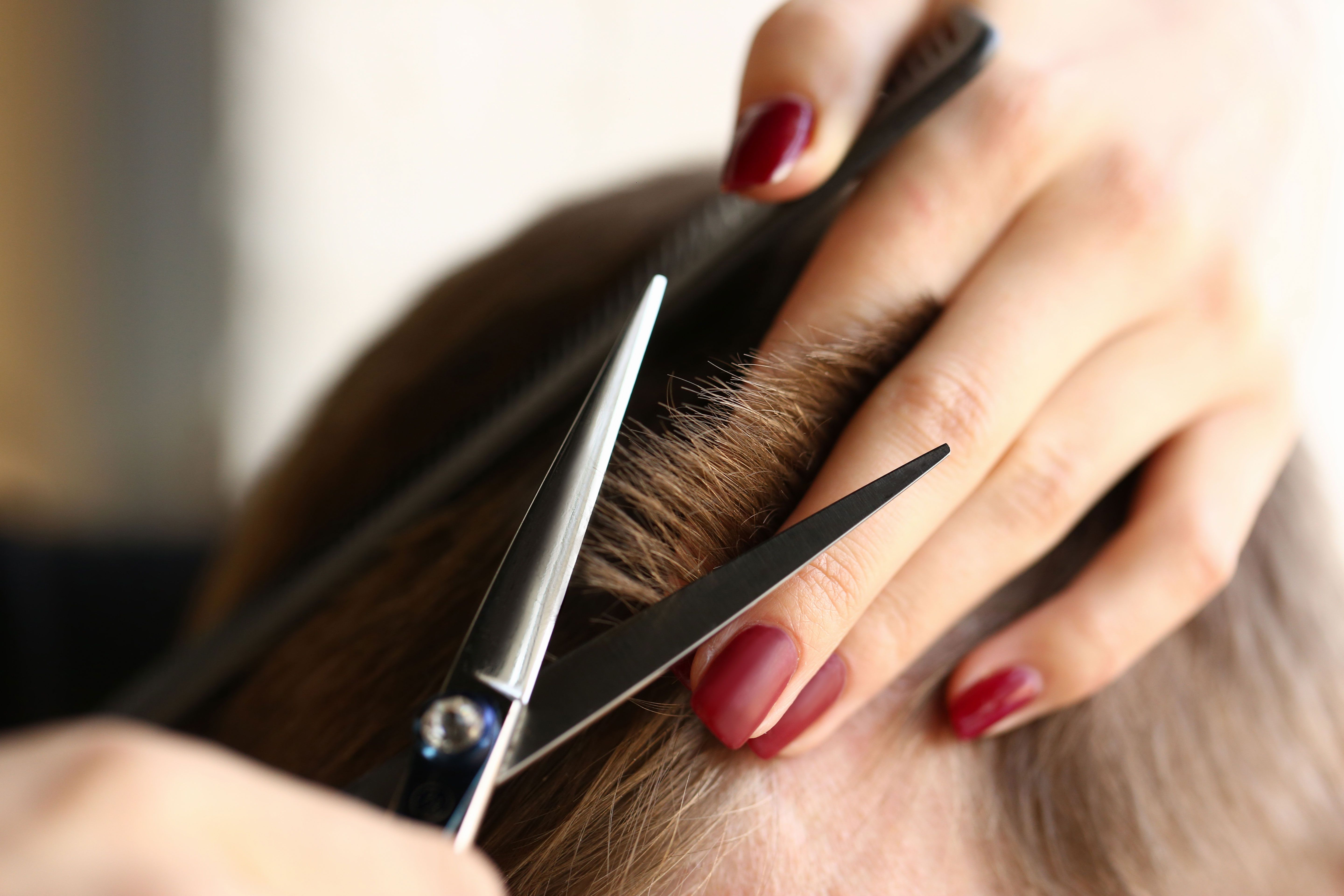How To Cut Your Own Hair Hairstylist Tips To Trim Your Hair At Home