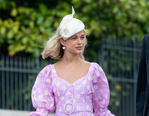 Clothing, Dress, Purple, Lavender, Pink, Lilac, Violet, Fashion, Street fashion, Hairstyle,
