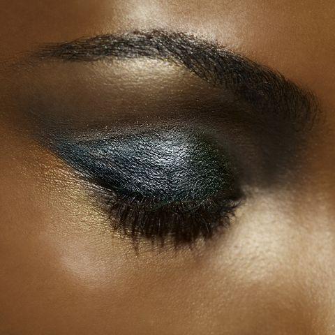 dark teal eye shadow