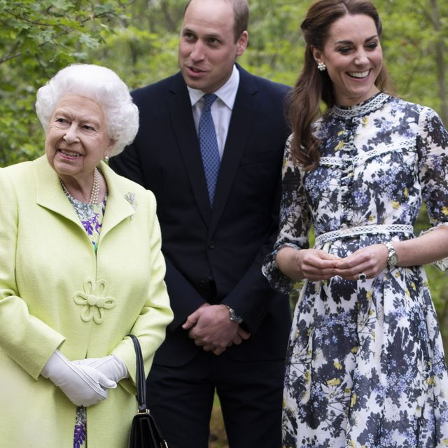 london, england   may 20 queen elizabeth ii is shwon around back to nature by prince william and catherine, duchess of cambridge at the rhs chelsea flower show 2019 press day at chelsea flower show on may 20, 2019 in london, england photo by geoff pugh   wpa poolgetty images