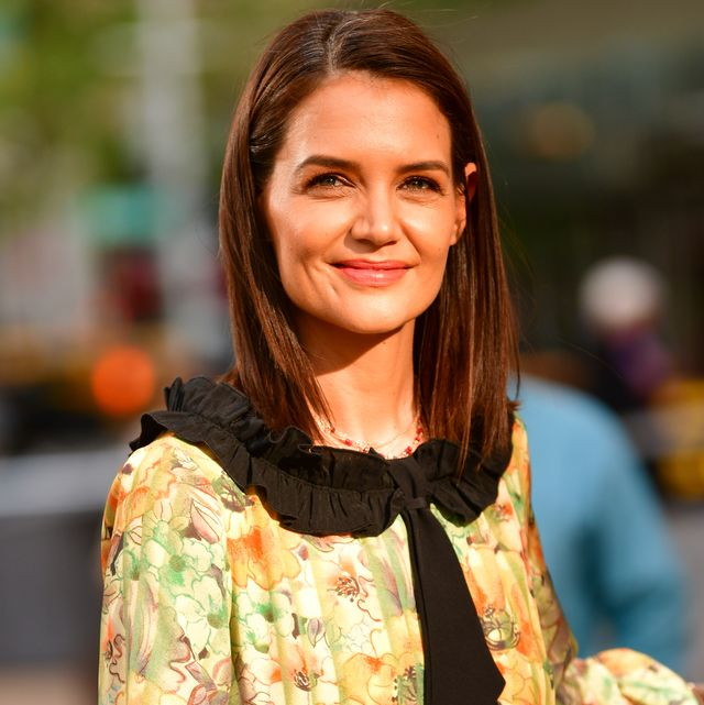 new york, ny   may 20  katie holmes arrives to the american ballet theatre 2019 spring gala at the metropolitan opera house on may 20, 2019 in new york city  photo by james devaneygc images